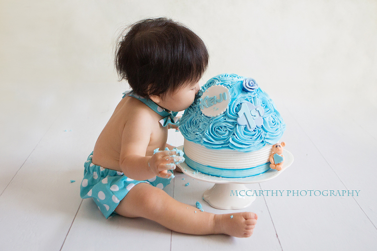 baby eating cake session